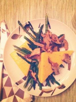 creamy polenta cakes with mushrooms and asparagus