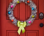DIY Retro Inspired Holiday Wreath