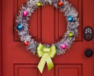 DIY Retro Inspired Holiday Wreath