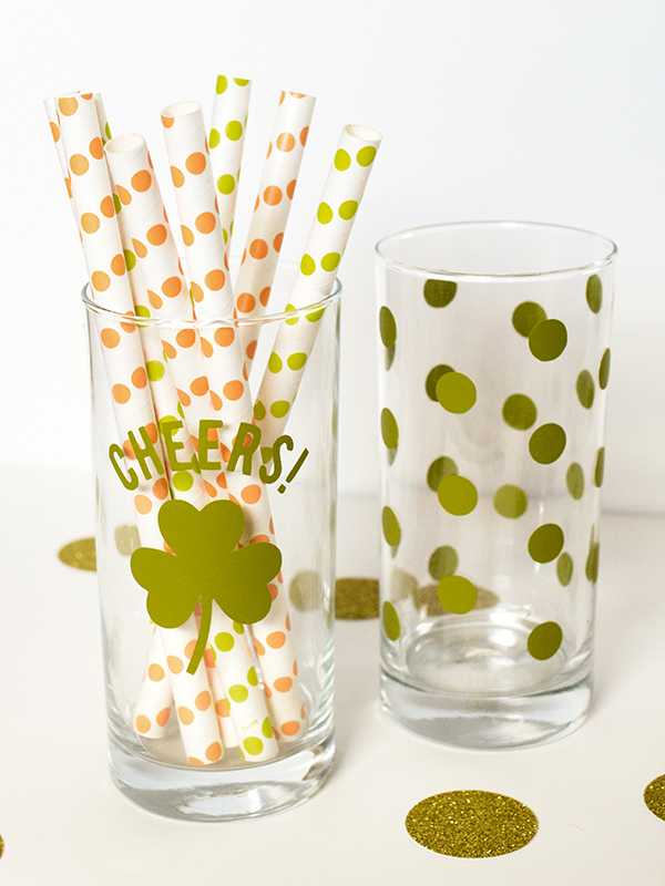 DIY St. Patrick's Day Cups by Sarah Hearts