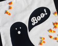 http://sarahhearts.com/wp-content/uploads/2013/10/trick-treat-bag-3-186x150.jpg