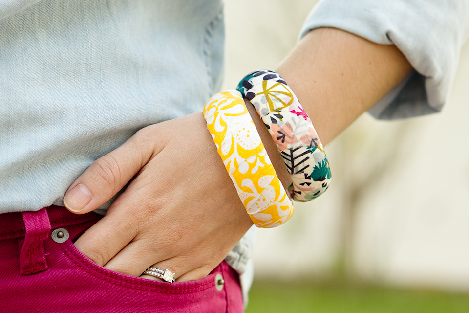 Make your own spring accessories and give these fabric wrapped bangles a try.