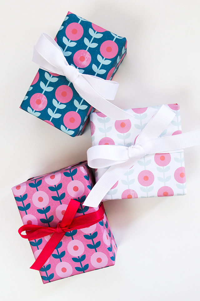 Mod floral gift wrap 1
