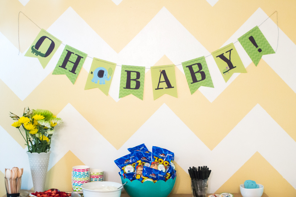 download and print this adorable free jungle themed baby shower banner