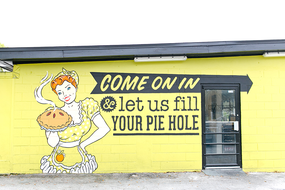 Love this mural by Horsebites on the outside of Se7enbites, a sweet a savory bakeshop in Orlando, Florida.