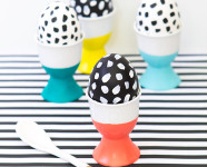 DIY Paint Dipped Easter Egg Cups