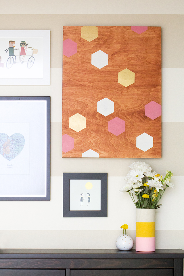 Create your own geometric wall art in custom colors and wood stain to match your home decor perfectly! Click through for step-by-step tutorial and printable template.