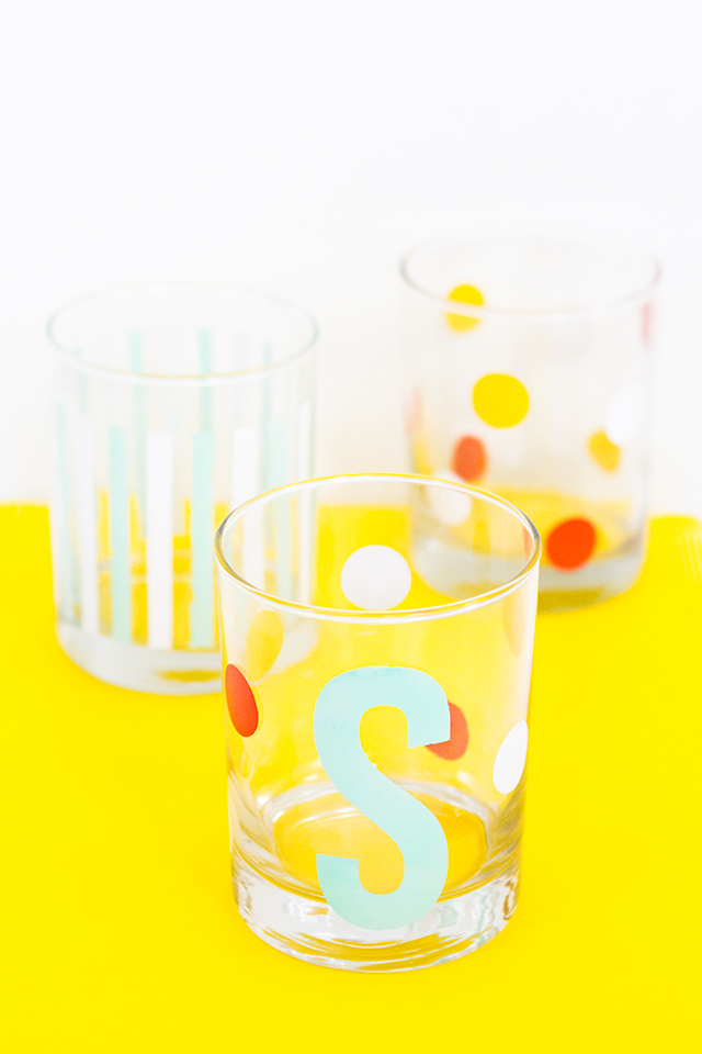 Can't wait to try making these DIY stenciled glasses! They would be perfect as gifts and are so great for summer entertaining.