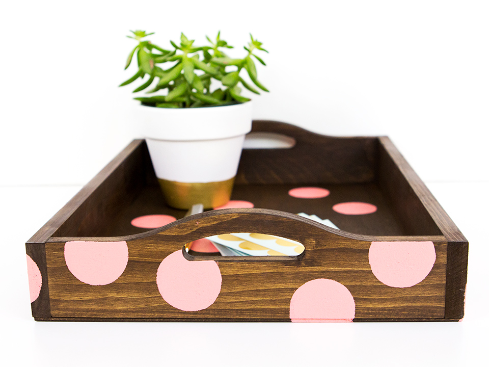 Love this polka dot wood tray! Click through to see 4 other ways to DIY a wood tray.