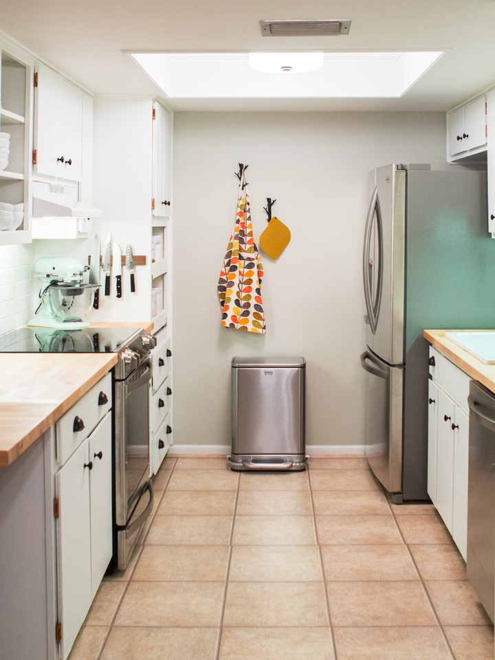 Diy small galley kitchen remodel sarah hearts for Pictures of galley kitchen remodels