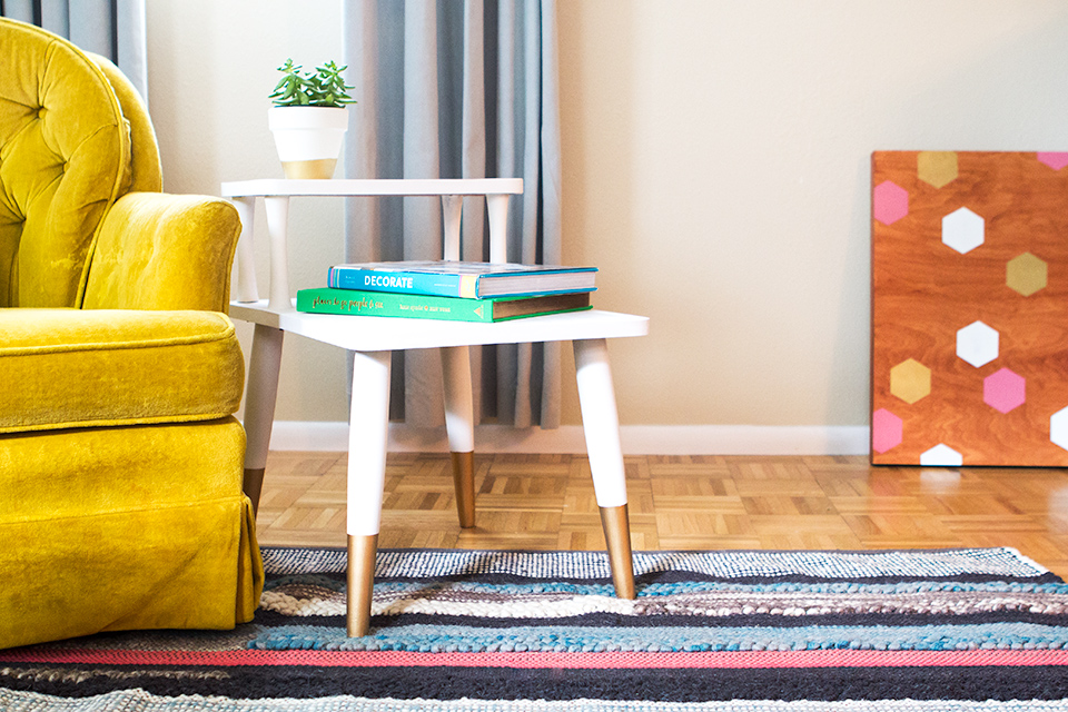 a 10 cragislist find gets a made into a stylish midcentury side table with