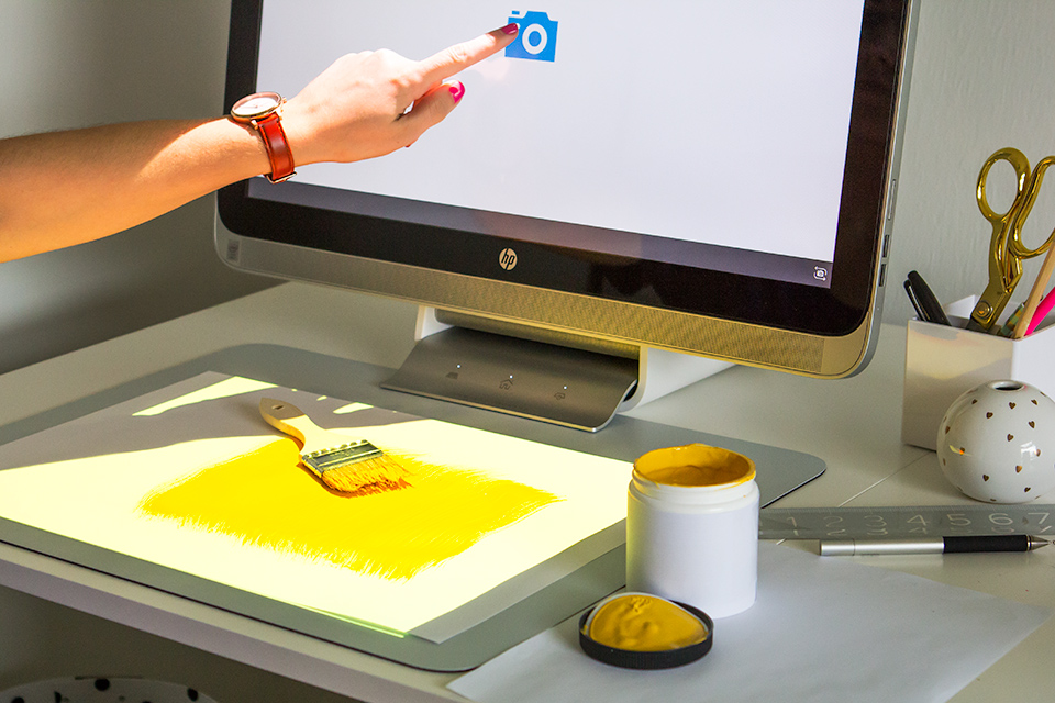 Scan 3D objects in a tap and easily take your ideas on a test run in the Sprout workspace.