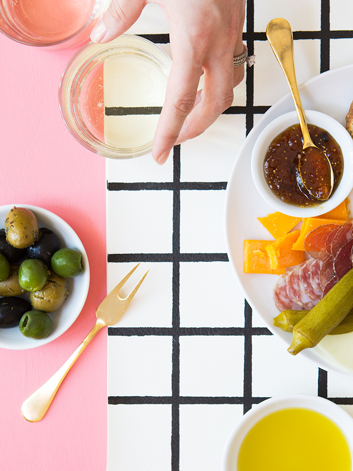 Loving this IDY grid placemat! Such a great way to customize your dinner table.