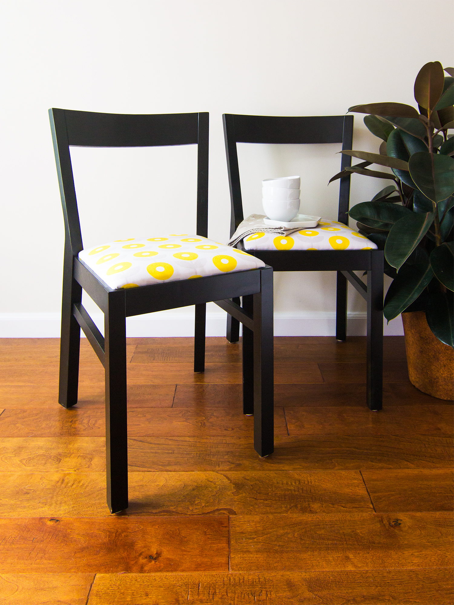 Diy upholstered dining room chairs sarah hearts for Ideas for reupholstering dining room chairs