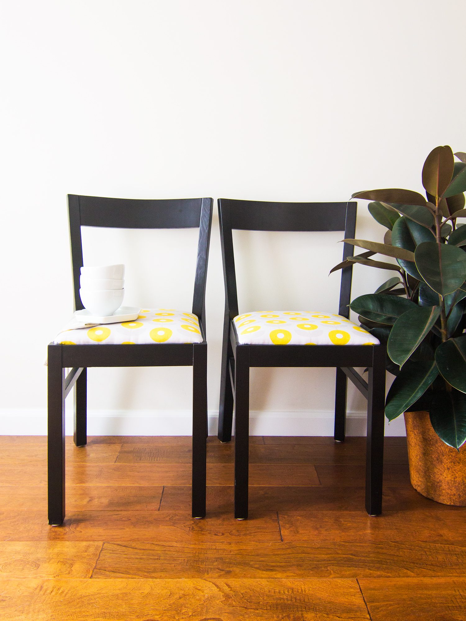 Diy Upholstered Dining Chairs diy upholstered dining room chairs - sarah hearts
