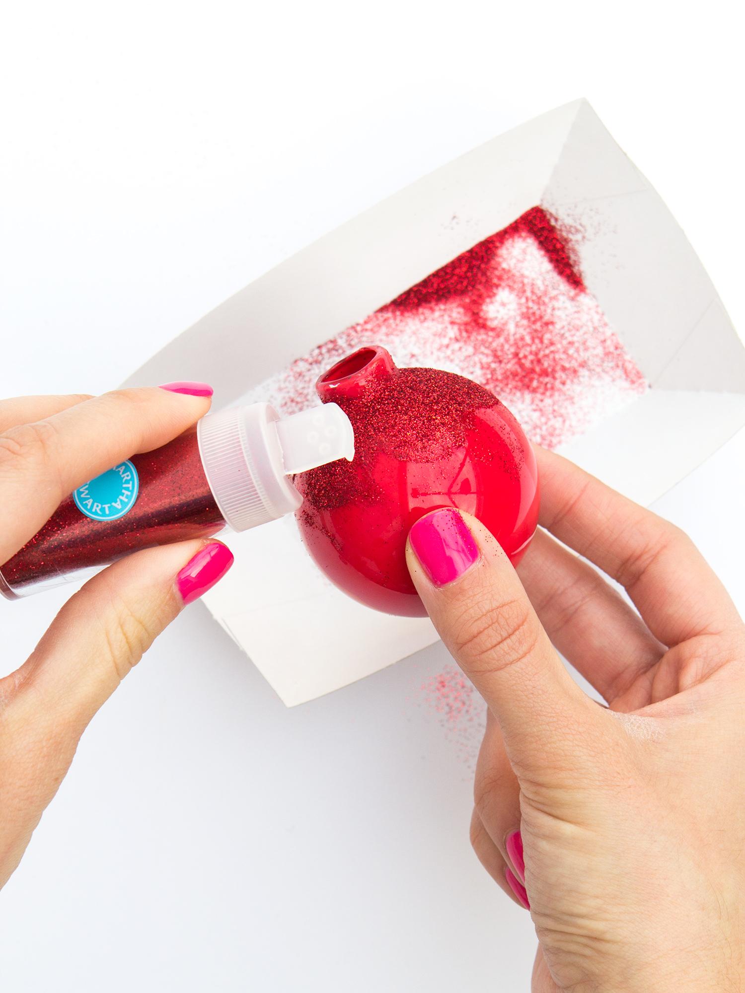 Learn how to make these pretty scalloped edge glitter ornaments! #12monthsofmartha