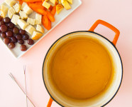Easy Cheddar Cheese Fondue