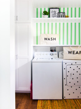 Blogger Sarah Hearts gave her laundry room a big update with easy and affordable DIY projects. Click through for several free downloads that can makeover your space.