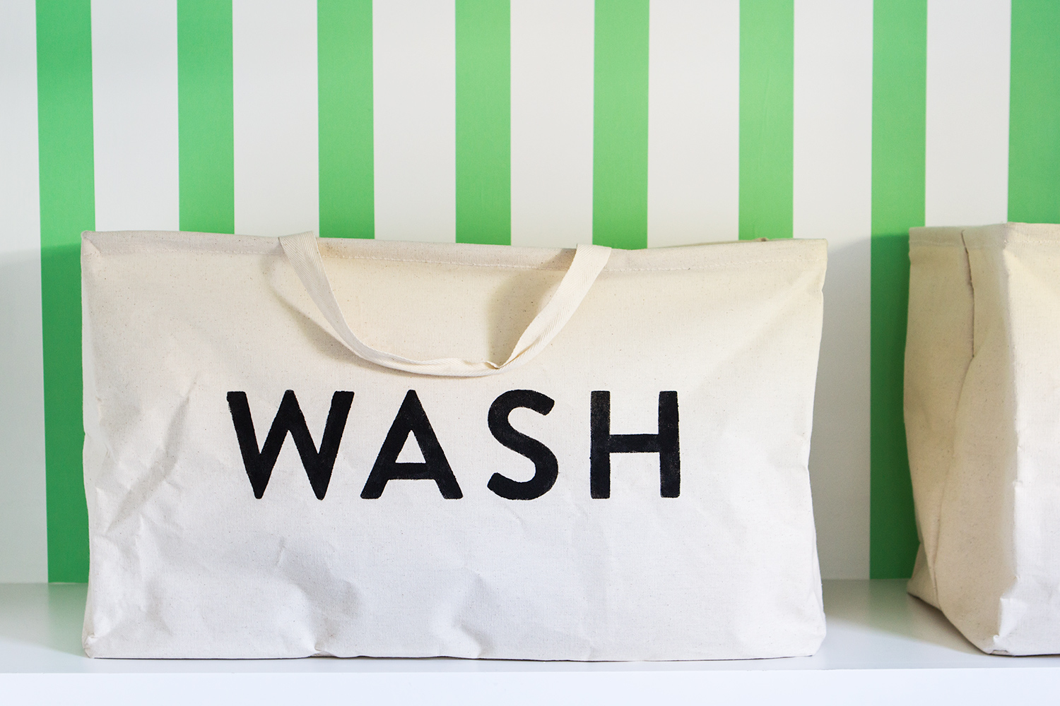 Create your own custom laundry tote with a Silhouette Cameo or Portrait using this free downloadable stencil file.