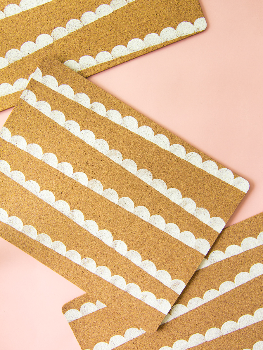 Diy Scalloped Ikea Cork Placemats Sarah Hearts