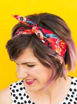 Bad hair days begone with this adorable DIY wire headband! No sewing is required so you can quickly make one in all your favorite fabrics.