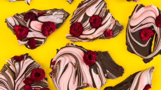 Make your valentine something sweet. Try this easy 4 ingredient raspberry dark chocolate bark recipe.