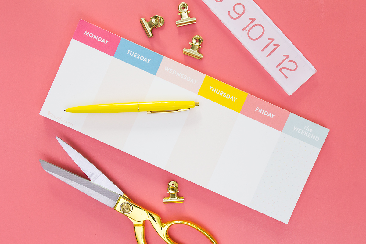 Here's the perfect free printable to keep you organized all year long. Click through to download the free printable and learn how to make it into a tear-off pad.