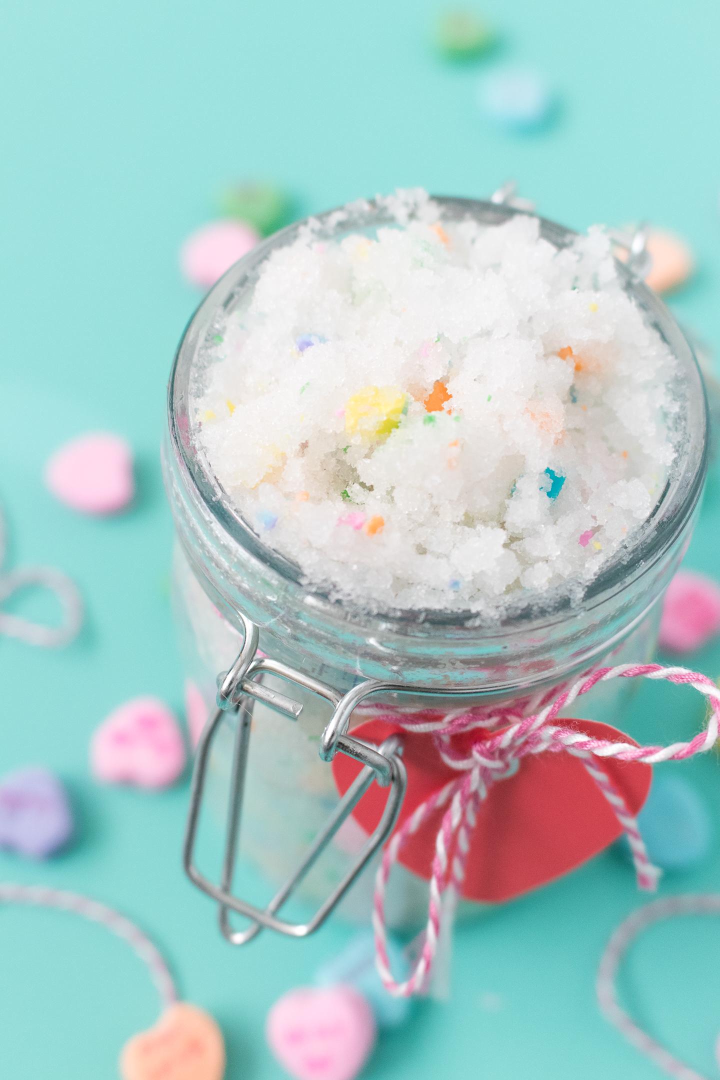 http://sarahhearts.com/wp-content/uploads/2018/01/diy-conversation-heart-sugar-scrub-1.jpg