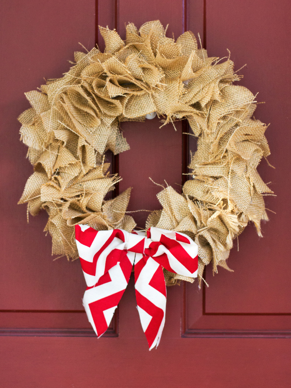 Diy burlap wreath christmas crafternoon sarah hearts for How to decorate a burlap wreath for christmas