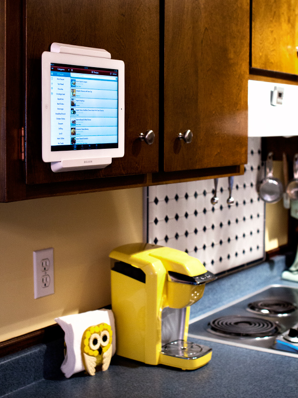 ipad kitchen cabinet mount favorite find cabinet mount hearts 17941